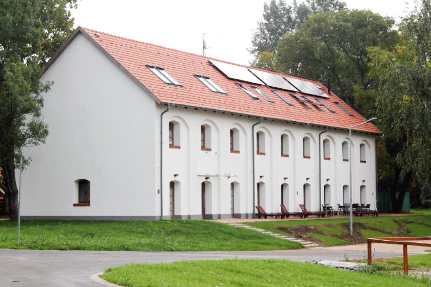 Magtár épülete