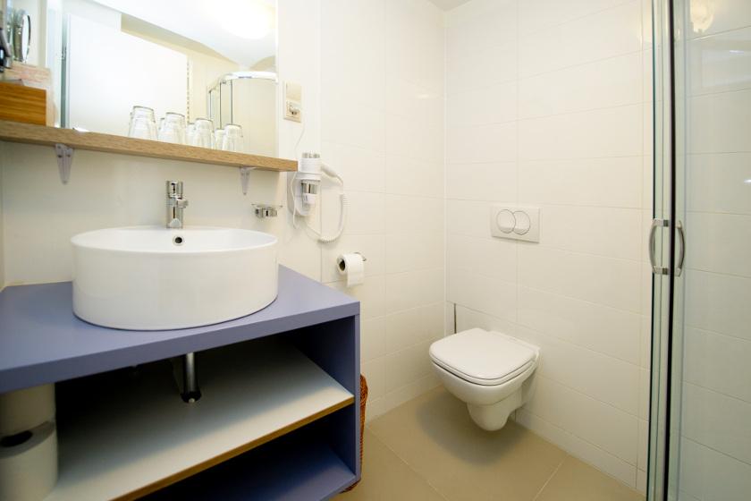 Magtár - ligeti csillagvirág fürdőszoba