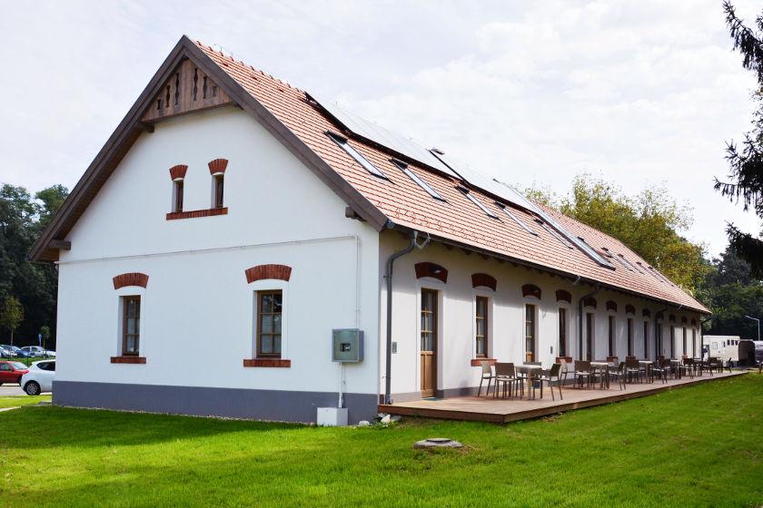 Csikósház - épület