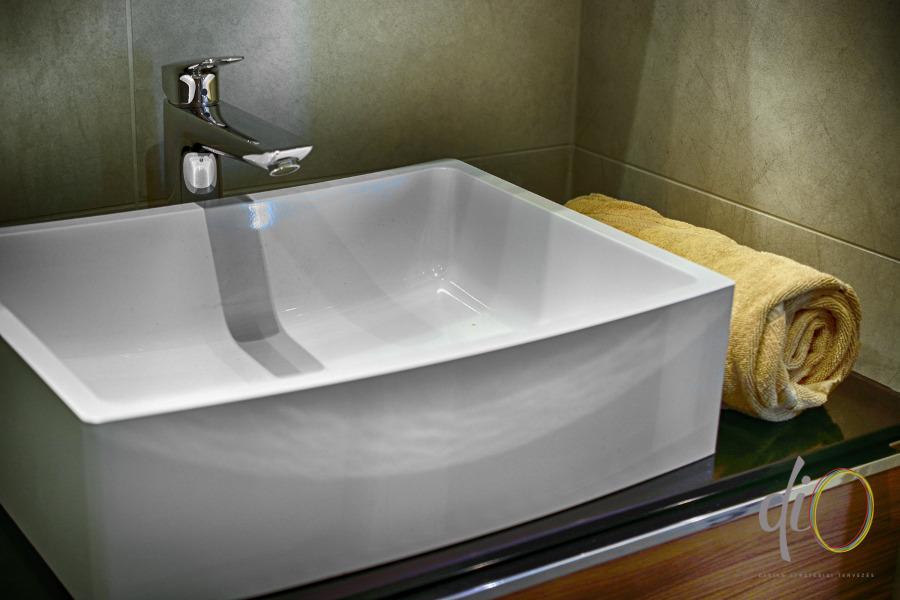 Belvárosi emeletráépítés - fürdőszoba részlet